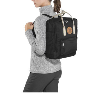 Рюкзак Kanken черный на модели