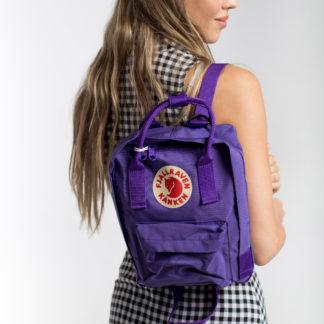 Рюкзак Канкен Мини фиолетовый на девушке