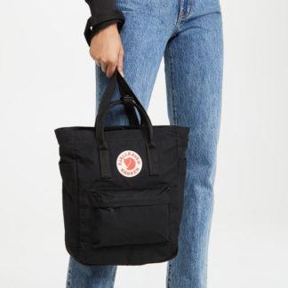 Черная сумка Канкен на модели